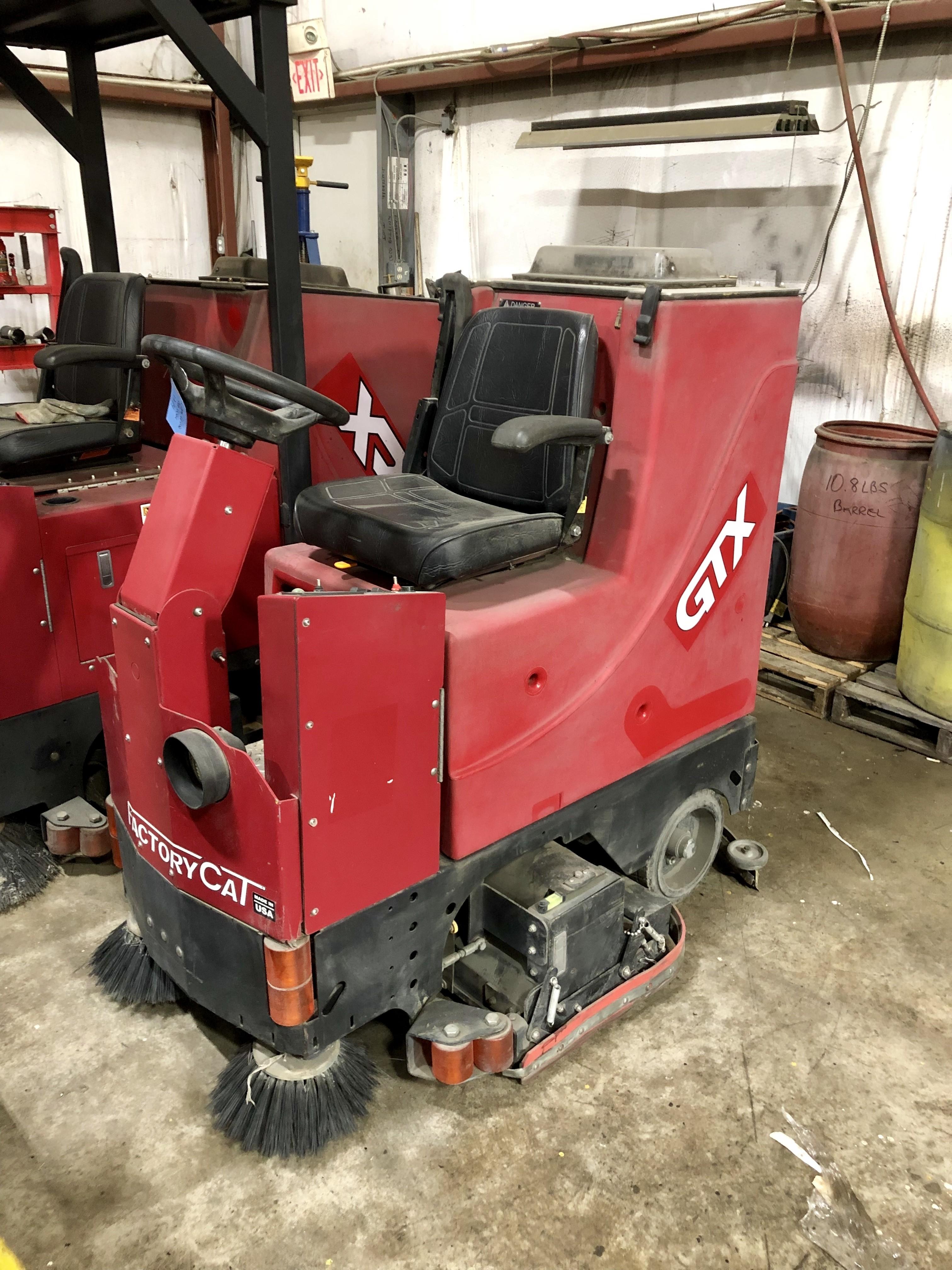 9,995 2013 Tomcat Floor Scrubber